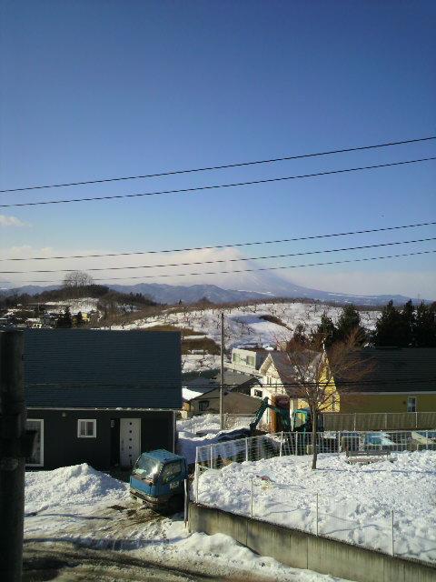 岩手山を望む家